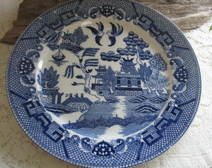 Japan Blue Willow Ware Plate Antique Decorative Plates Blue and White Style Asian Styled Chinoiserie