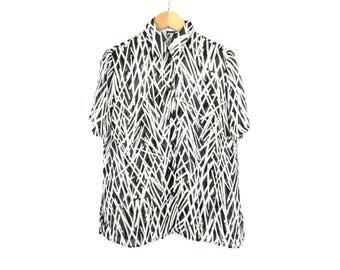Vintage shirt, Sheer shirt, See threw shirt, Button Up shirt, Black shirt, White shirt, Short sleeve shirt, Safari Animal print top / Medium