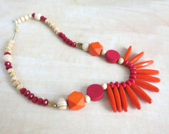 Wood Beaded Necklace,  Red and Orange Necklace, Summer necklace, Colorful Necklace, Bohemian Necklace, Statement Necklace, Gift for Her
