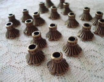 20 Gorgeous, Big Bronzed Bell Flower Caps. 11x9mm. Ornate Beauties. Bronze Cap for Big Beads. Big Hole! -3mm. ~USPS Ship Rates /Oregon