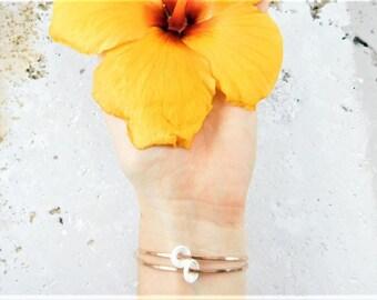Hawaiian Puka Shell Bangle, Hawaiian Puka Shell Bracelet, Puka Shell Jewelry, Beach Wedding Jewelry, Beach Wedding Bracelet,