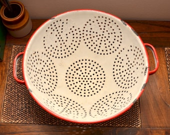vintage red and white Enamelware Colander Strainer Enamel ware graniteware Granite ware strainer footed colander with feet