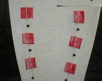 Col016 - Collier rose de perles carrées