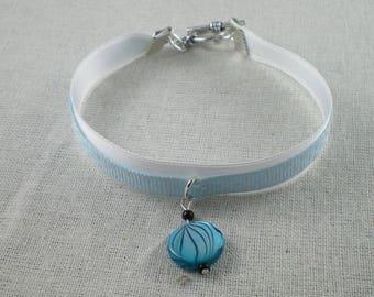 Bra065 - Pearl White and blue Bracelet blue