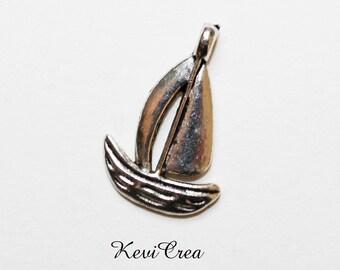 10 x silver sailboat charm
