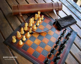 "20"" (51cm) Rollup Portable Leather Chess Set"