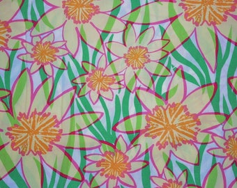 Classic White Daffies cotton poplin  18 x 18 inches ~Lilly Pulitzer~