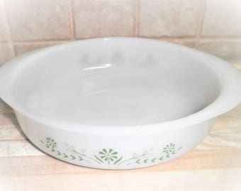 Vintage 8 inch Glasbake made in th USA glass pan