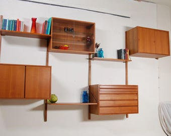 1960s Mid Century Danish Royal Modular Wall System by Poul Cadovius for Cado. Vintage/Retro/Danish/Shelving/Cabinet