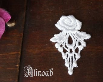 Flower lace guipure white pattern 6 x 4 cm