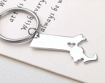 I heart Massachusetts keychain - Massachusetts keyring - State Charm - Map Jewelry - Map keychain