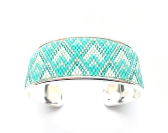 Very nice cuff Mint and silver beadwoven miyuki mounted on rigid support