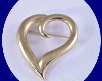 Vintage Heart Brooch Mid Century  Heart Gold Brooch Gold Tone  Brooch Vintage Jewelry