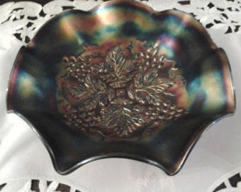 Carnival glass Northwood horehound/rootbeer grape leaves bowl