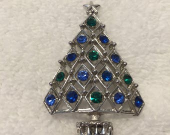 Hedy, signed vintage Christmas Tree Pin In silver blues and green