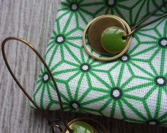 """Earrings collection """"Meï and chlorophyll"""" and their Japanese (for pierced ears) green enamel and brass case."""
