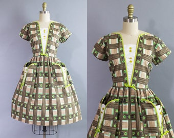 1950s Floral Novelty Print Dress/ 50s basket weave cotton sundress/ Medium (40b/30w)