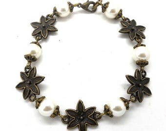 Bracelet bronze flowers and pearls