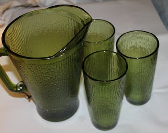 Vintage Drinking Pitcher and Three Tall Tumblers Included, 1950s, Great For Outdoors Picnic or by The Pool, Tea & Water, a Dark Green
