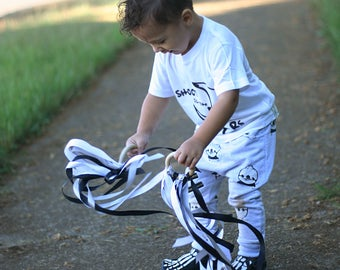 Monochrome Toddler Toy, Boy gift, Fun learning activity, Waldorf kite, black and white hand kites