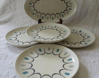 Metlox Oval Serving Plate and 4 Dessert Plates