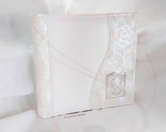 Baby Photo album / Baptism / Christening / White Faux Leather / Angel / Classic Album / Scrapbooking / Family album / Laminated Silver Angel