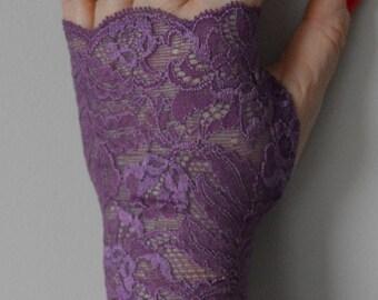 Fingerless lace short purple, fingerless lace short purple bride, short, purple, violet, purple Bridal Gloves, fingerless gloves, arm warmers fingerless gloves