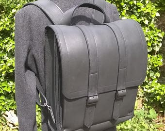 Black Leather BackPack / Rucksack. Premium Quality Leather. Large.