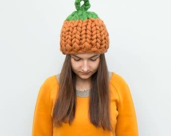 Halloween mega chunky knit autumn pumpkin hat yarn merino wool