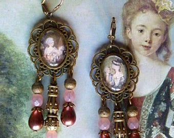 """Powdered"" Baroque earrings, pink Czech glass, ""Marquise"" cabochons, prints and bronze metal beads"