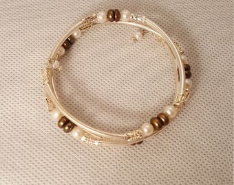 White and brown pearl memory wire bracelet  (BR009)