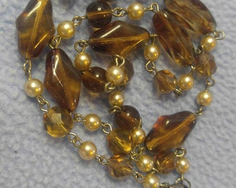 Root Beer Glass Bead  and Faux Pearls Necklace 16""