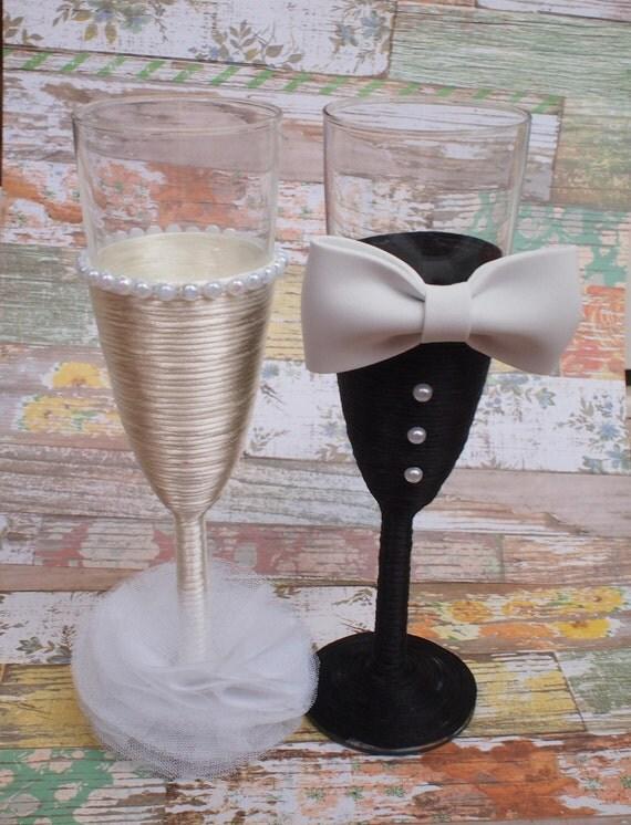 Copas de cristal decoradas para el brindis de boda pareja de - Copas decoradas con velas ...