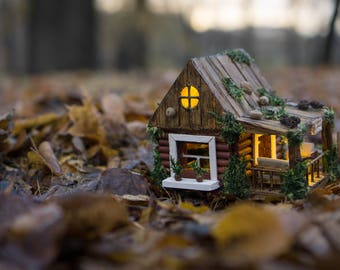 Vinous mini-Porch-House. Wooden nightlight, personalized gift, unique artwork, handmade rustic lamp, miniature house, rustic homedecor