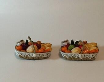 Miniature Dollhouse 1:12 Scale Farmer's Market Basket