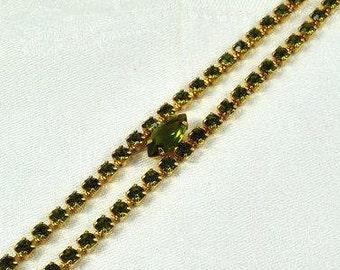 Peridot colored rhinestone bracelet
