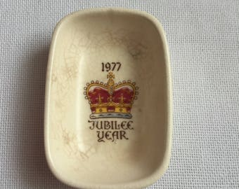 Small Vintage trinket dish from 1977 celebrating the jubilee year