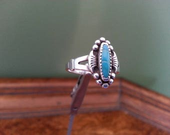 Vintage Sterling Silver and Turquoise Ring - Size 6 1/2