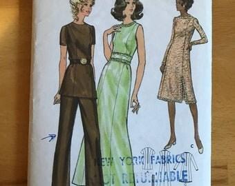 "1970's ""mod"" pantsuit or dress pattern"