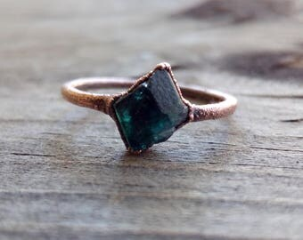 Raw Emerald   Copper Electroformed Ring   Size 7