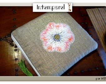Gold lame Linen case and its big flower
