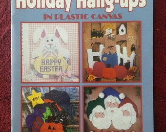Plastic Canvas Leisure Arts Holiday Hangups Book 2 with 22pp 1998