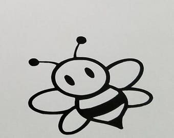 Bee decal | perm vinyl | Can add a name to decal | Apply to laptops, lockers, frames, room decor, car windows, Yeti & Rtic cups, etc.