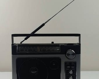 General electric GE 7-2885 superadio II am/fm long range vintage super radio