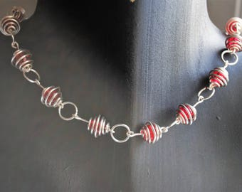 handmade gift idea for mum,  gift idea for wife, necklace of red glass crackle bead and tarnish resistant silver plate copper wire cages