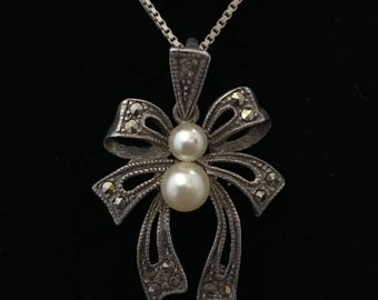 Vintage Rhinestone and Pearl Bow Necklace Pendant