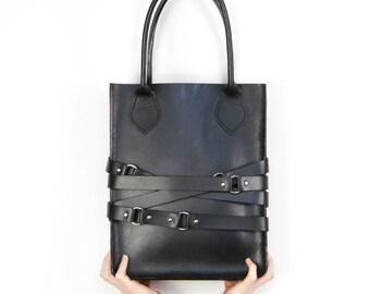 Handmade Leather O-Ring Choker Tote Bag