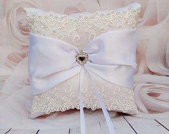 White wedding pillow, White Bearer Pillow, ivory lace Pillow, white ring pillow, bridal pillow, white ring cushion, white ribbon pillow