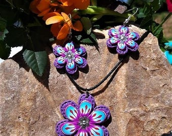 Set pink and blue flowers with its metal flower, made in polymer clay