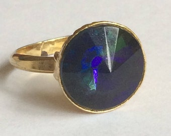 Iridescent Faceted glass and gold tone Ring